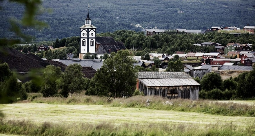 The mining town as seen from Smasetran. Photo: Tom Gustavsen
