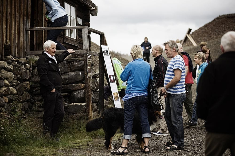 Guided tour. Photo: Tom Gustavsen